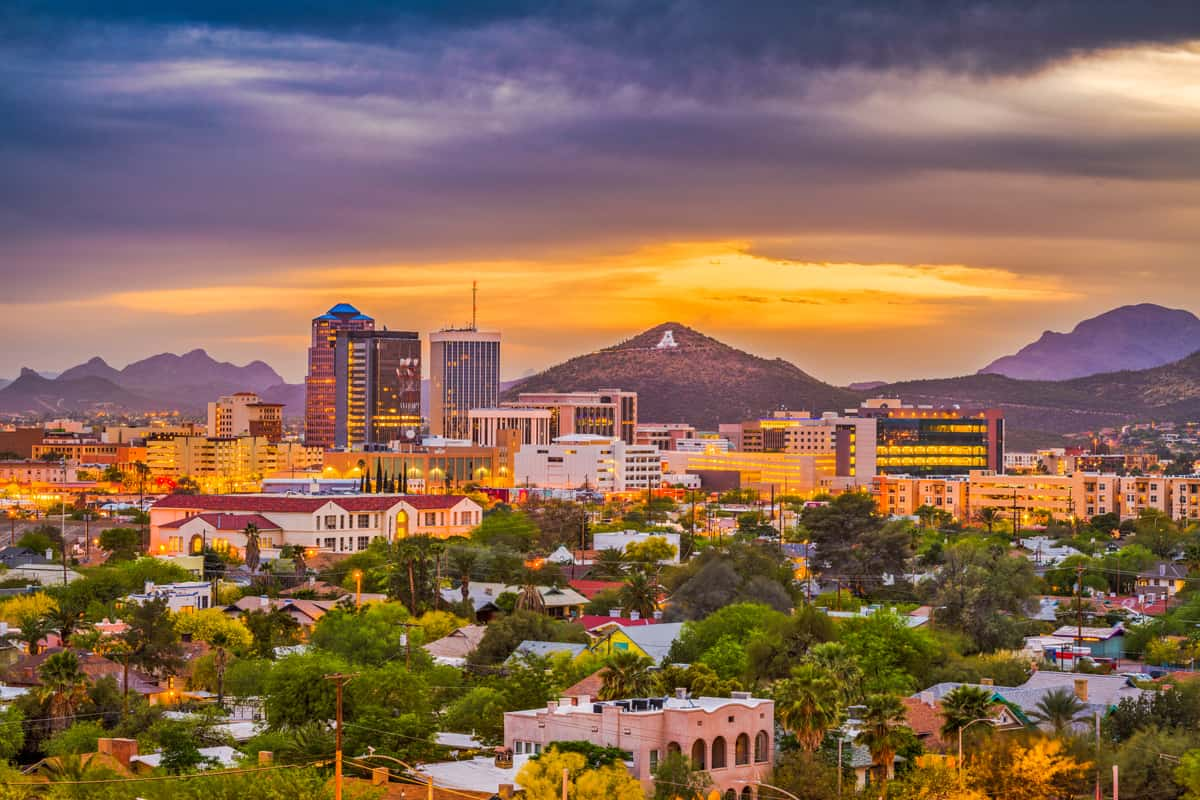 tucson-arizona-usa-skyline-RQALVW8